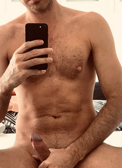 Hugo Sex Massage - Male escort in Lille Photo 6 of 11