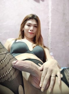 CAMSHOW/SELLING SEX VIDEOS 3SOME - Transsexual escort in Manila Photo 29 of 29