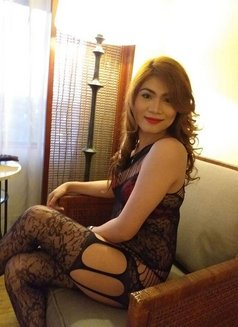 CAMSHOW/SELLING SEX VIDEOS 3SOME - Transsexual escort in Manila Photo 1 of 29