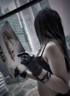 International Dominatrix Caittrin - dominatrix in Singapore Photo 13 of 15