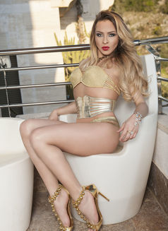 Isabela Bahls - Transsexual escort in Limassol Photo 13 of 16