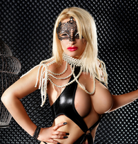Isabela - escort in Munich