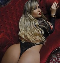 Isabella Blond Brazilian - escort in London Photo 4 of 7