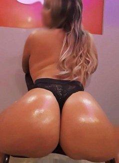 Isabella Blond Brazilian - escort in London Photo 3 of 7