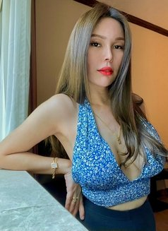 Issy Belle Camshow - escort in Singapore Photo 1 of 6