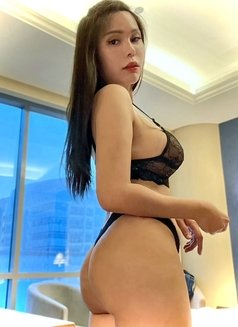 Issy Belle Camshow - escort in Singapore Photo 2 of 6