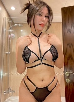 Issy Belle Camshow - escort in Singapore Photo 3 of 6