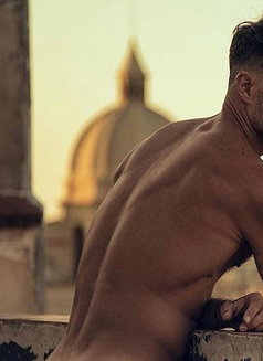 Italian Certified Male Massage Therapist - Male escort in Milan Photo 1 of 6