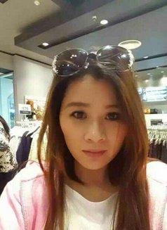 Ivy - escort in Hong Kong Photo 2 of 6