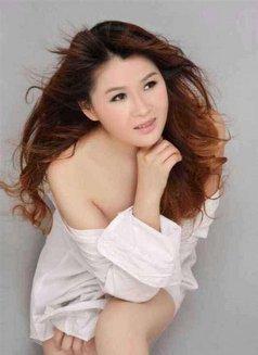 Ivy - escort in Hong Kong Photo 5 of 6