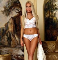 Jacky - escort in Vienna