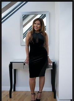 Jane - escort in London Photo 1 of 6