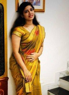 Janky - escort in Thiruvananthapuram Photo 4 of 5