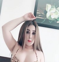 Hot and sexy girl - escort in Doha Photo 6 of 8
