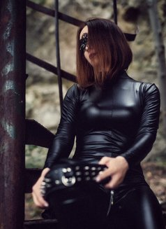 Jardena Mistress - dominatrix in Bratislava Photo 13 of 30