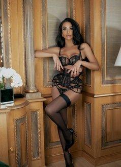 JASMINE VIP - Transsexual escort in Milan Photo 5 of 25