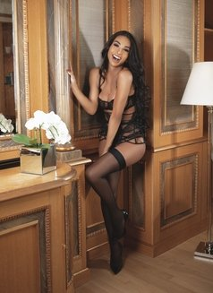 JASMINE VIP - Transsexual escort in Milan Photo 6 of 25