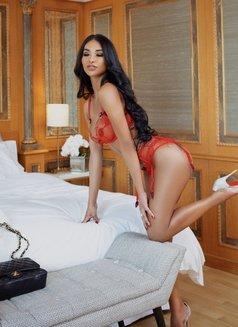 JASMINE VIP - Transsexual escort in Milan Photo 13 of 25