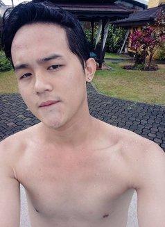 Jasper - Male escort in Makati City Photo 1 of 2