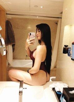 Jazmin - escort in Tokyo Photo 6 of 10