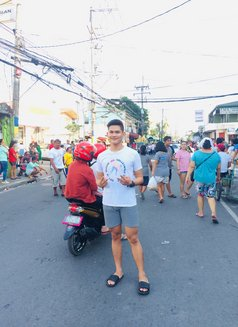 Jeje - Male escort in Makati City Photo 1 of 1
