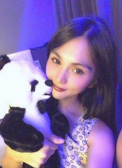 Jenny Chen - escort in Macao Photo 2 of 4