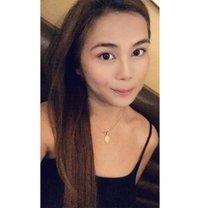 Jenny - escort in Makati City Photo 8 of 9