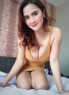 Jenny - escort in Bangkok Photo 4 of 5