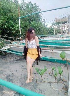 Jennylyn Rosali - escort in Makati City Photo 1 of 6