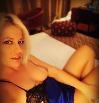 Jessica blonde - escort in London