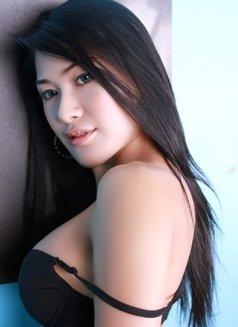 Jessy - escort in Bangkok Photo 5 of 9
