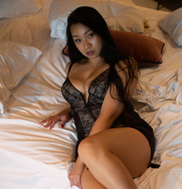 Jia Loren: Curvy AUSSIE Eurasian GFE - escort in Tokyo Photo 1 of 29
