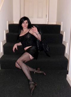 Jia Shemale - Transsexual escort in London Photo 2 of 5