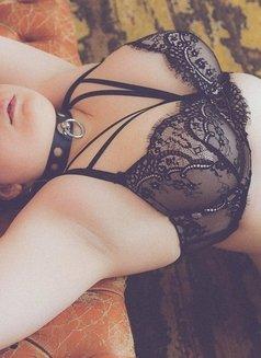 Joanne Campbell - bbw fetish escort - escort in London Photo 4 of 12