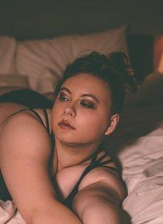 Joanne Campbell - bbw fetish escort - escort in London Photo 10 of 12