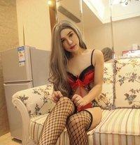 Joanne - Transsexual escort in Singapore
