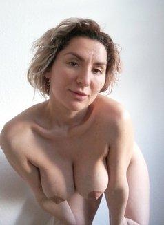 Johanna Tantra - masseuse in Vejle Photo 2 of 8