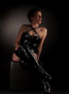 Johanna Weber - dominatrix in Berlin Photo 10 of 13