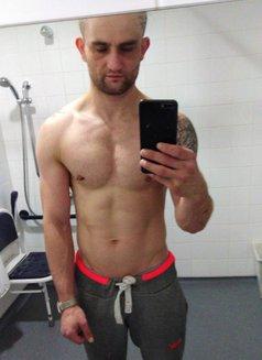Josh - Male escort in Chelmsford Photo 1 of 6