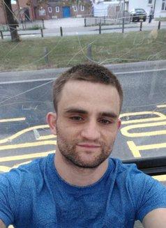 Josh - Male escort in Chelmsford Photo 2 of 6