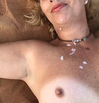 Juju mature, experienced British MILF - escort in Dubai