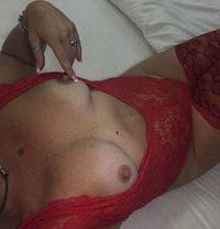 Juju mature, experienced British MILF - escort in Dubai