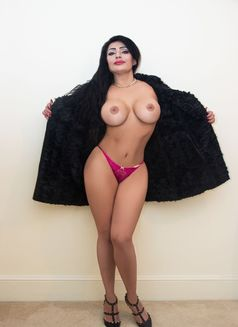 Julia Busty Lady - escort in London Photo 9 of 15