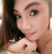 Julia - Transsexual escort in Makati City