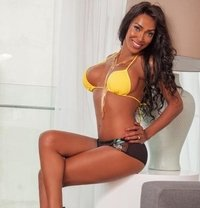 julia JHONNES 100% Actif FOR HUNGRY S - Transsexual escort in Sofia