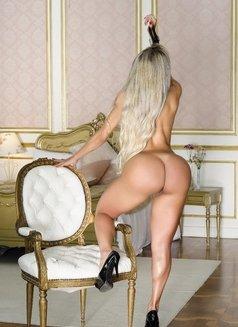 Julia Prado - escort in Dubai Photo 16 of 19