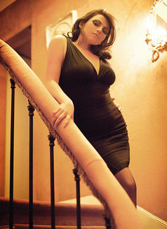 Juliette Elite - escort in Paris Photo 4 of 5
