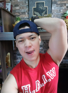 Justin - Male escort in Makati City Photo 7 of 8