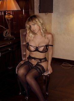 Karla Kalypso australian italian - escort in Paris Photo 13 of 13