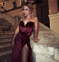 Karla Kalypso australian italian - escort in Paris Photo 8 of 13